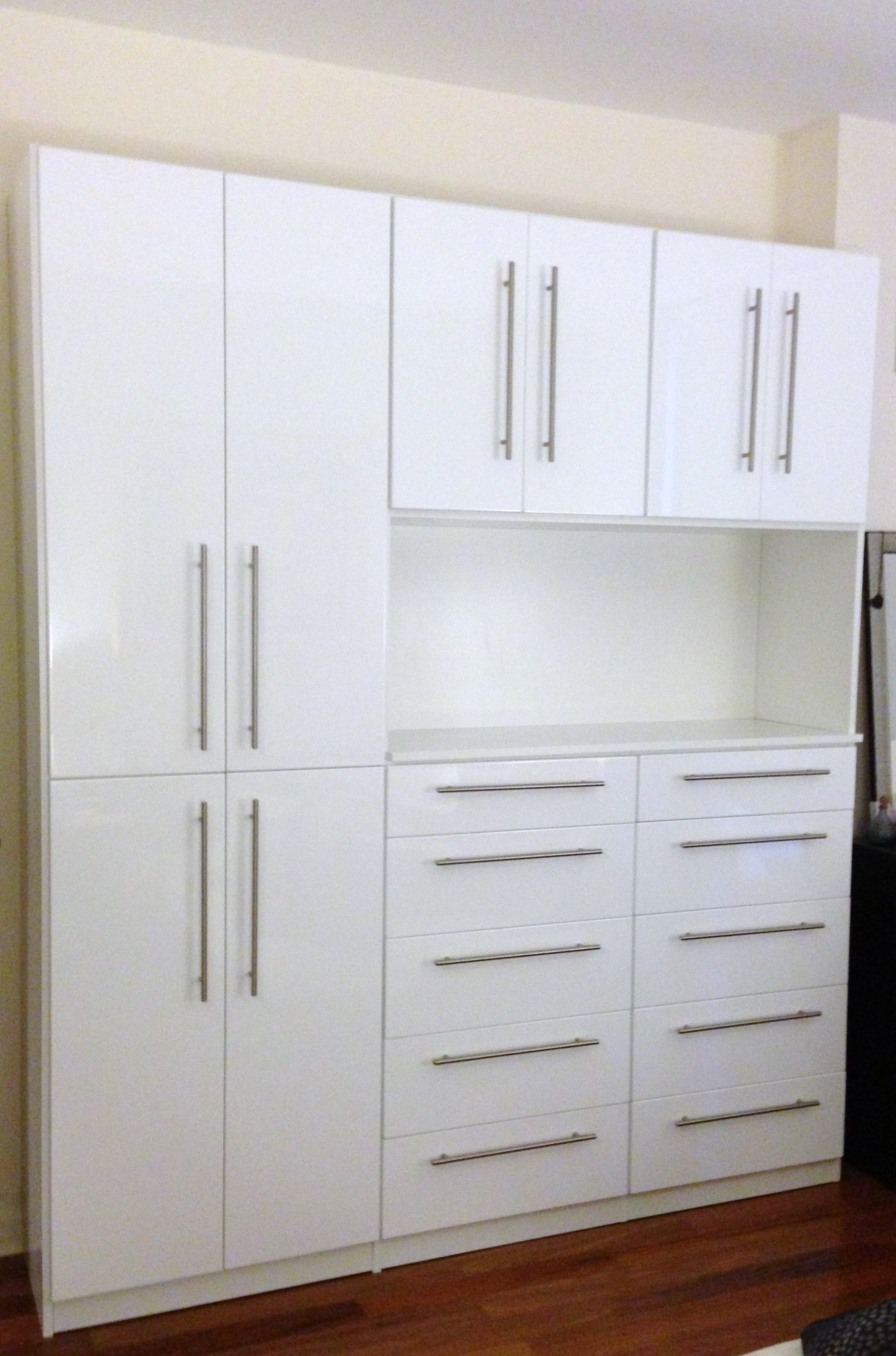 Wall Units - Symmetry Closets